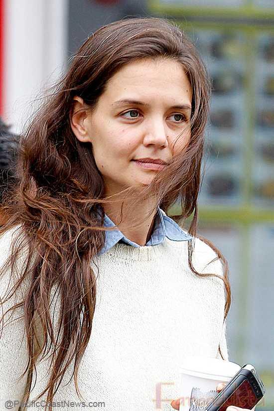 Katie Holmes se siente traicionada por Tom?