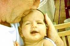 Bruce Willis muestra a su bebita Mabel Ray