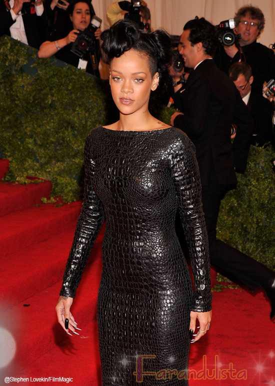 Rihanna hospitalizada por agotamiento luego del MET gala