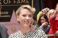 Scarlett Johansson y su estrella en el Paseo de la fama – Walk of Fame!