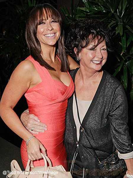 Muere la madre de Jennifer Love Hewitt