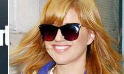 Kelly Clarkson ahora es rubia – Hot or Blah!?