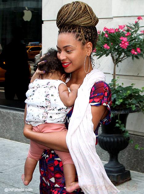 Beyonce con Blue Ivy debutó nuevo look en New York