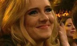 Adele dará a luz a su baby en dos meses!! WHAT?