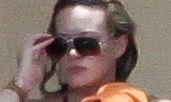 Hilary Duff en bikini muestra su cuerpo post parto