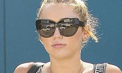 Miley Cyrus tiene un nuevo tatuaje