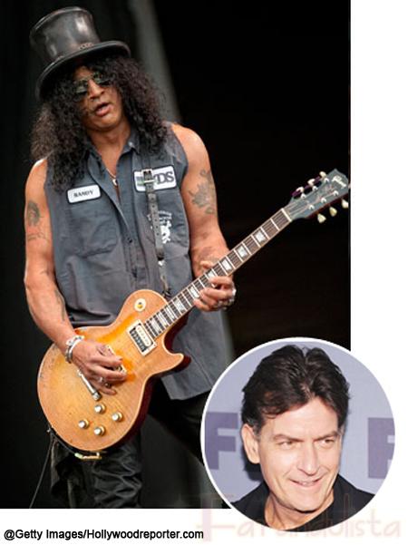 Charlie Sheen rinde tributo a Slash y se burla de Axl