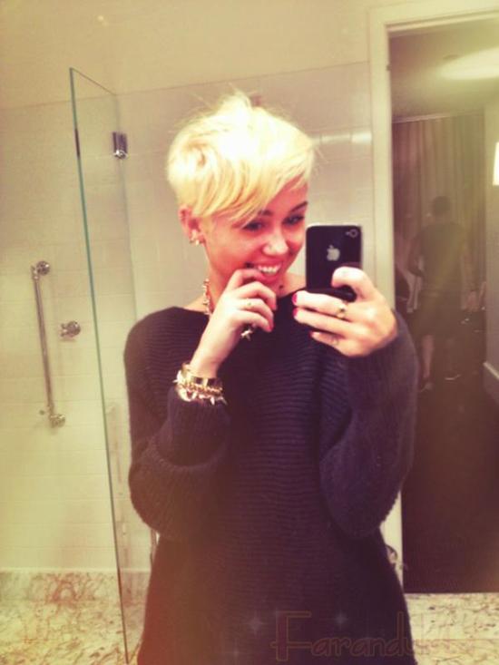 Oooh... Miley Cyrus corta su cabello!! Nuevo look!!!
