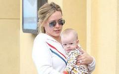 Hilary Duff y Baby Luca en L.A