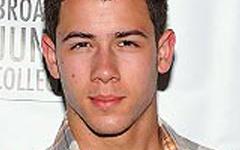 Nick Jonas espera unirse a American Idol
