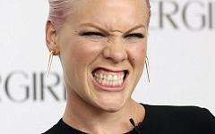 Pink es la nueva CoverGirl!!!
