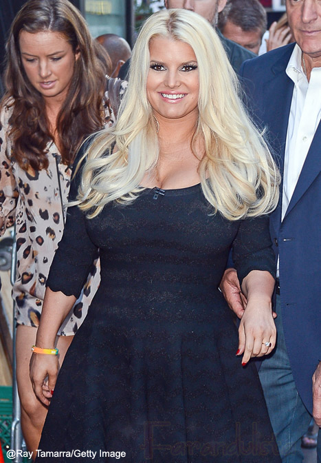 Jessica Simpson finalmente se muestra en Weight Watchers...