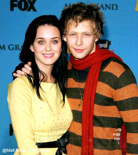 Katy Perry devastada por la muerte de Johnny Lewis