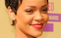 A Rihanna le molestó el tatuaje de Chris Brown?