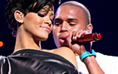 Rihanna reza por Chris Brown… What?
