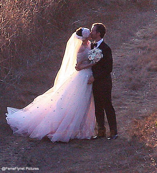 Anne Hathaway se casó con Adam Shulman