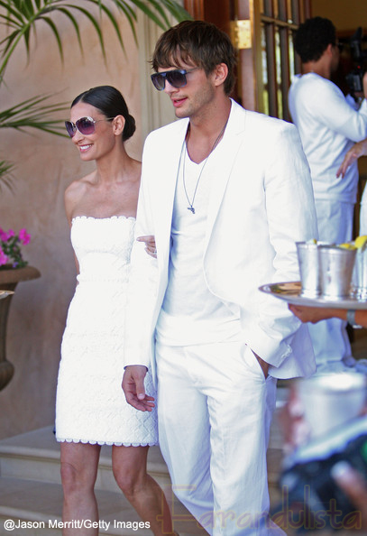 Demi Moore y Ashton Kutcher si se casaron por civil