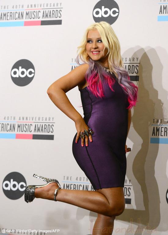 Millones para Christina Aguilera por promocionar un sitio de citas