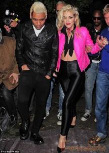 Gwen Stefani se disfraza de Sandy de Vaselina (Grease)