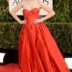 Zooey Deschanel con un Oscar de La Renta