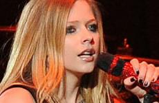 Avril Lavigne trabajando en nuevo álbum