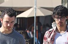Joe y Nick Jonas groseros con los fans y se niegan a una foto