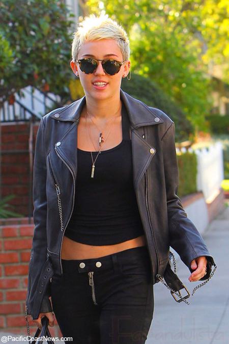 Miley Cyrus jamás tendrá cabello largo again!