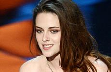 Kristen Stewart llevó muletas a los Oscars – Why?