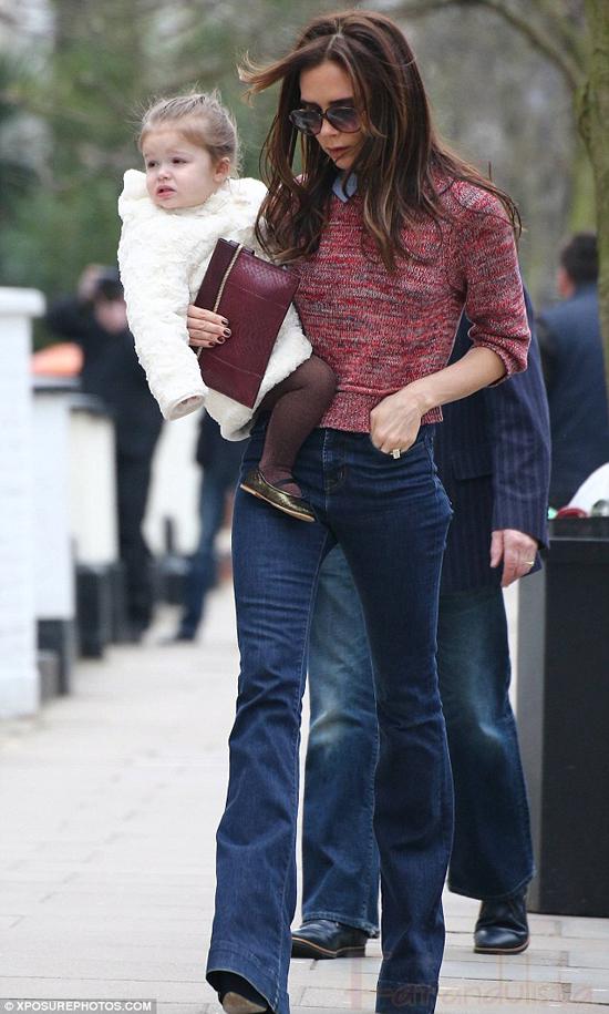 Victoria Beckham y baby Harper Seven en Londres
