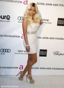 Nicki Minaj afirma que su rostro es completamente natural NATURAL