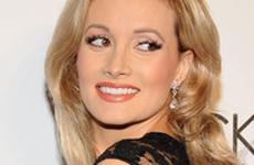Holly Madison planea ingerir su placenta… Ewww
