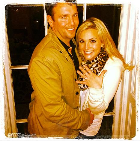 Jamie Lynn Spears comprometida con Jamie Watson - Vean el anillo!