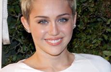 Miley Cyrus desmiente que cancela su compromiso con Liam