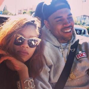 Rihanna embarazada?? What? Persisten los rumores...