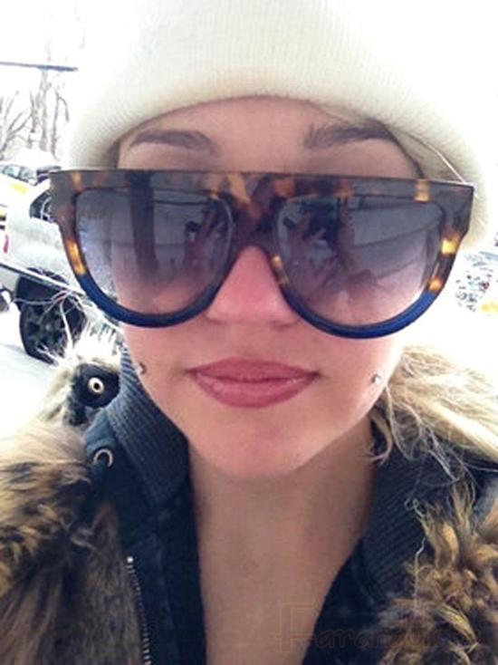 Amanda Bynes sigue actuando como loca