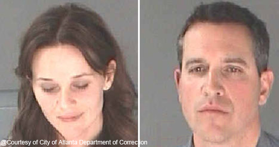Arrestan a Reese Witherspoon y a su esposo por DUI - Mugshot!