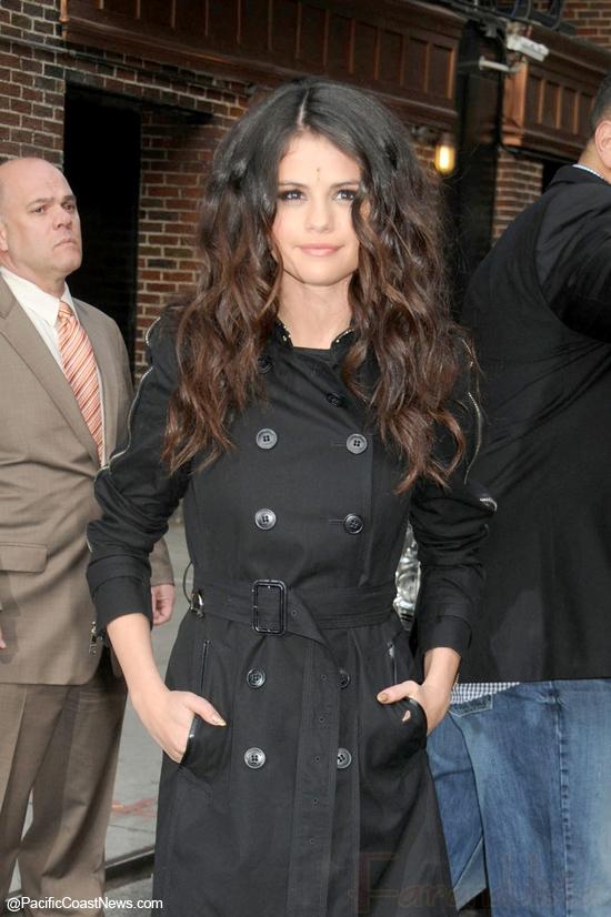 Los amigos de Selena Gomez no aprueban a Justin Bieber?