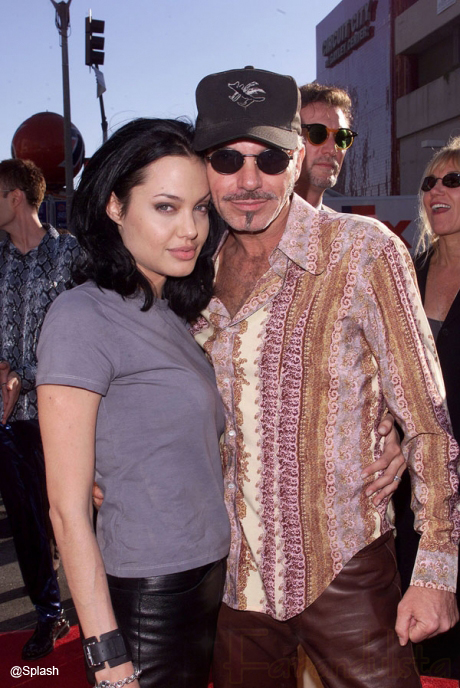 Angelina Jolie viendo a su ex hubby Billy Bob Thornton? LOL!