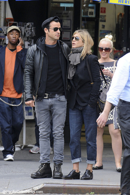 Jennifer Aniston y Justin Theroux retrasan boda por Brangelina?