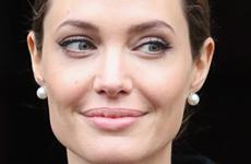 OMG! Angelina Jolie removerá sus ovarios también!