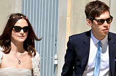Keira Knightley se casó con James Righton!!! Vean el vestido de novia!!