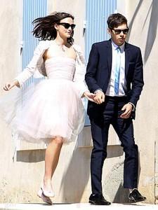 Keira Knightley se casó con James Righton!!! Vean el vestido de novia!!