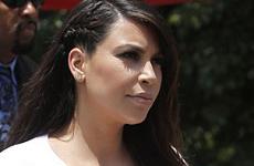 Kim Kardashian super hinchada se niega a dejar los Stilletos