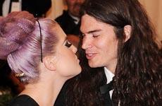 Kelly Osbourne comprometida con Matthew Mosshart