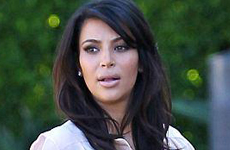 Kris Jenner no deja salir a Kim K hasta tener un trato por fotos de North