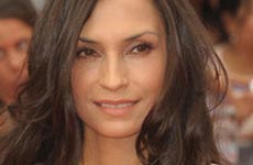 Famke Janssen víctima de un incidente súper creepy
