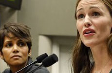 Jennifer Garner y Halle Berry unidas solicitan Ley contra los paparazzi
