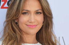 Jennifer Lopez por cerrar trato para volver a American Idol