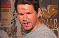 Mark Wahlberg se gradúa de la escuela a los 42