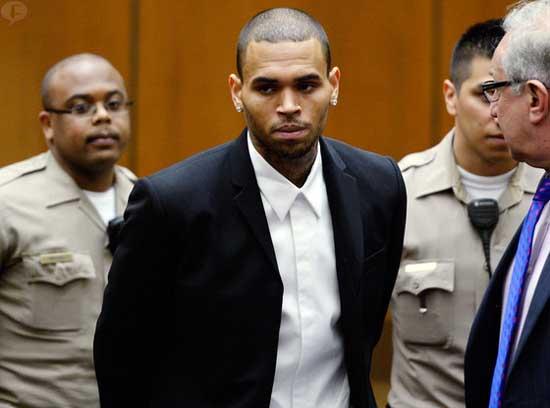 Chris Brown entra a rehab para controlar su ira